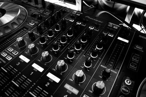 Mixer Musik Foto Seervice